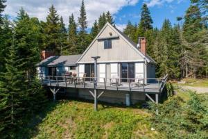 Vacation Property - Cow Point Cottage